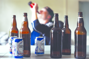 6 lépcsőfok az alkoholizmusban, amit érdemes jelzésnek venned.