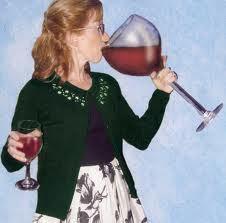 mom-drinking-huge-glass-of-wine.jpg
