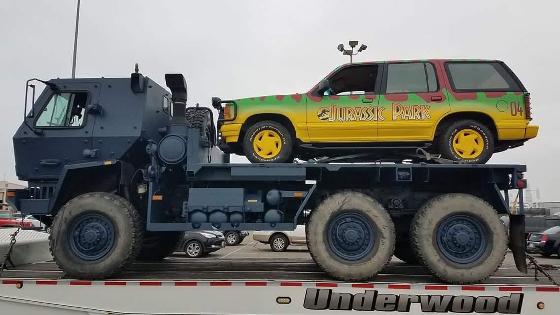 A Jurassic World: Bukott birodalom forgatásán is feltűnt az ikonikus jármű egy másolata.