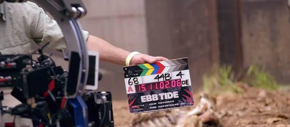 A rajongóknak az Ebb Tide c. film forgatását kellett keresniük, ez volt ugyanis az elterülő, fedőcíme a filmnek