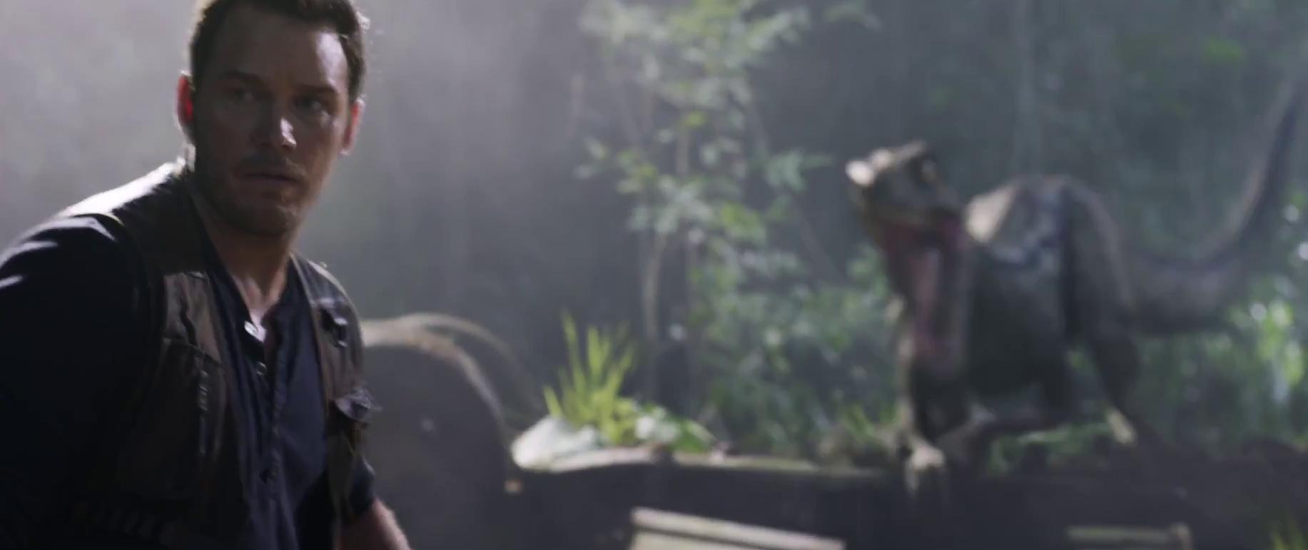 Owen egy Jurassic Park-os túrakocsi körül talál rá feltehetően régi gondozottjára