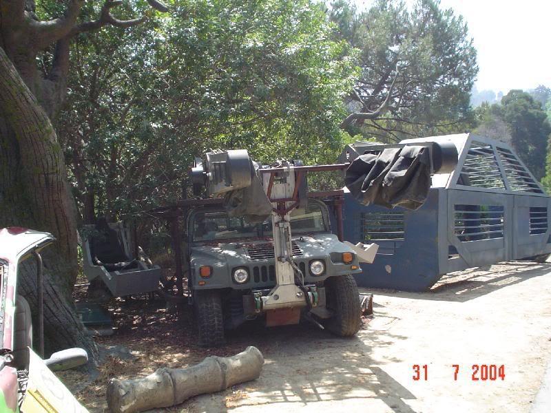 A befogó Hummer a stúdió los angelesi parkjában tekinthető meg nem a legjobb állapotban