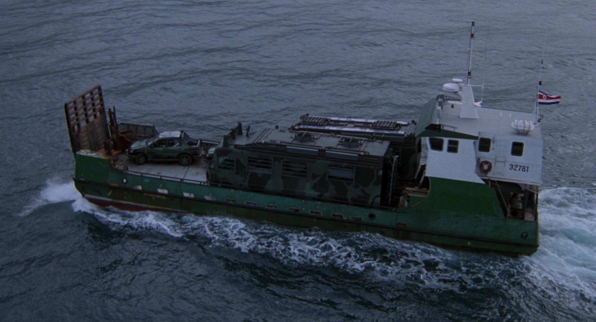 A szigetre két darabban szállították a járművet