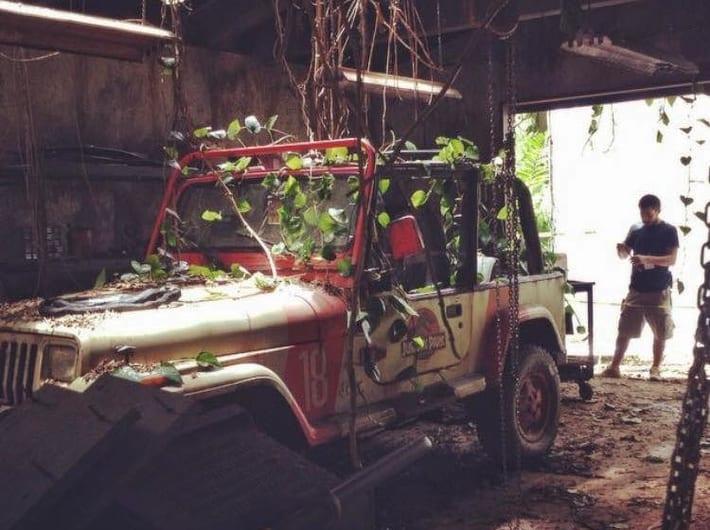 Ez a másik, amellyel Alan, Ellie és Ian utaztak a leszállóhely és a látogatóközpont között, a Jurassic World forgatásán