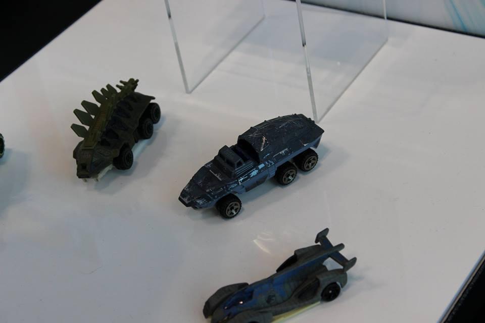 Stegosaurus, Mosasaurus, Velociraptor (Blue)
