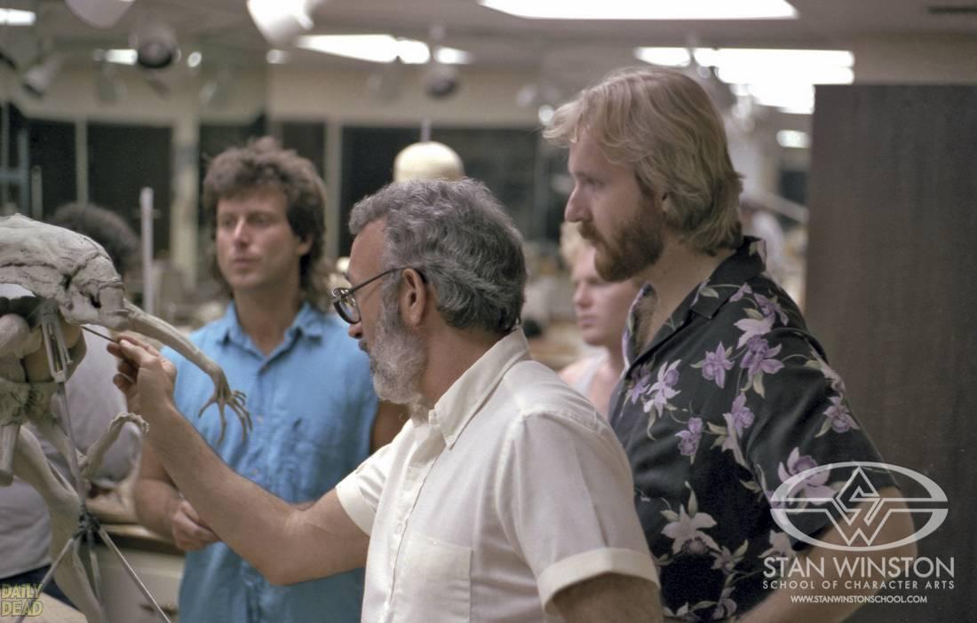 A második Terminátor filmért két Oscar-díjat nyert: egyet a speciális effektekért, és egyet a legjobb maszkokért. Addigra már az Aliens (Bolygó neve: a Halál) révén Oscar-díjas trükkmester volt.