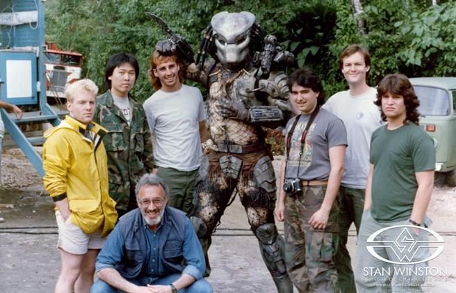 A Predatort is neki köszönhetjük. Az Alien-ekkel csak a filmszéria második részétől foglalkozott.