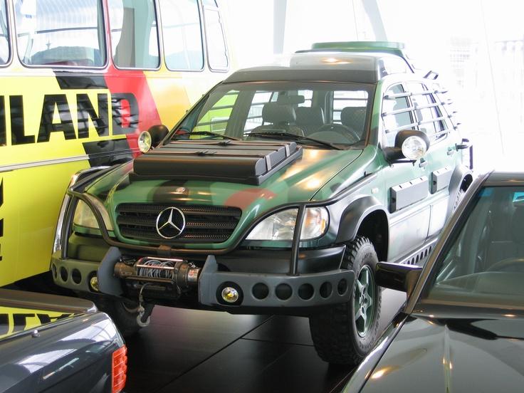 Ez a Mercedes a gyár stuttgarti központjában tekinthető meg.