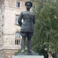 Miért ácsorog Bandholtz tábornok a Szabadság téren?