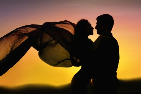 romance-couple-dancing-600x400.jpg