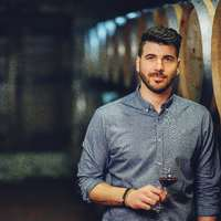 """""""Nagy nálunk az egy négyzetméterre jutó borászok száma..."""" - interjú Frittmann Petivel"""