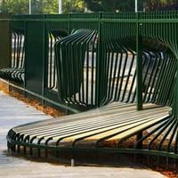 Ülj bele a kerítésbe!