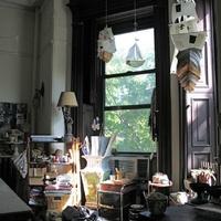 műteremben