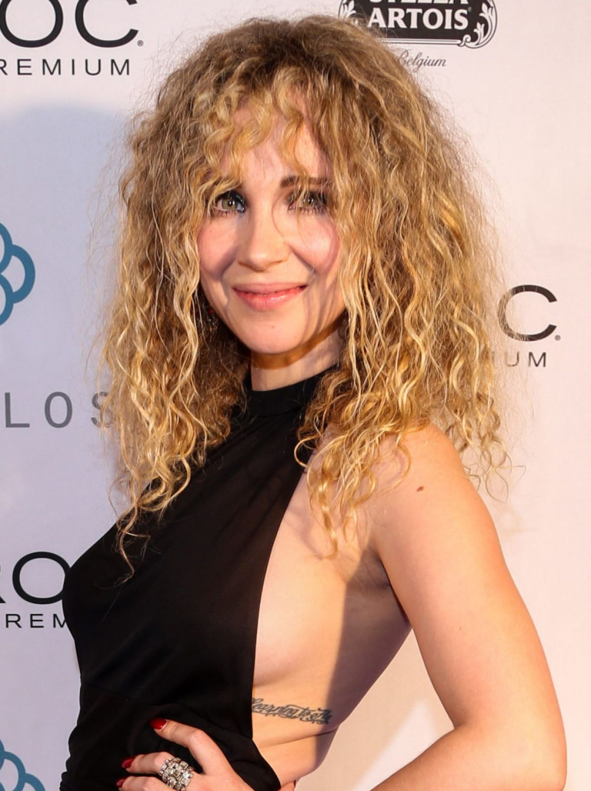 juno-temple--5th-annual-producers-ball--04.jpg