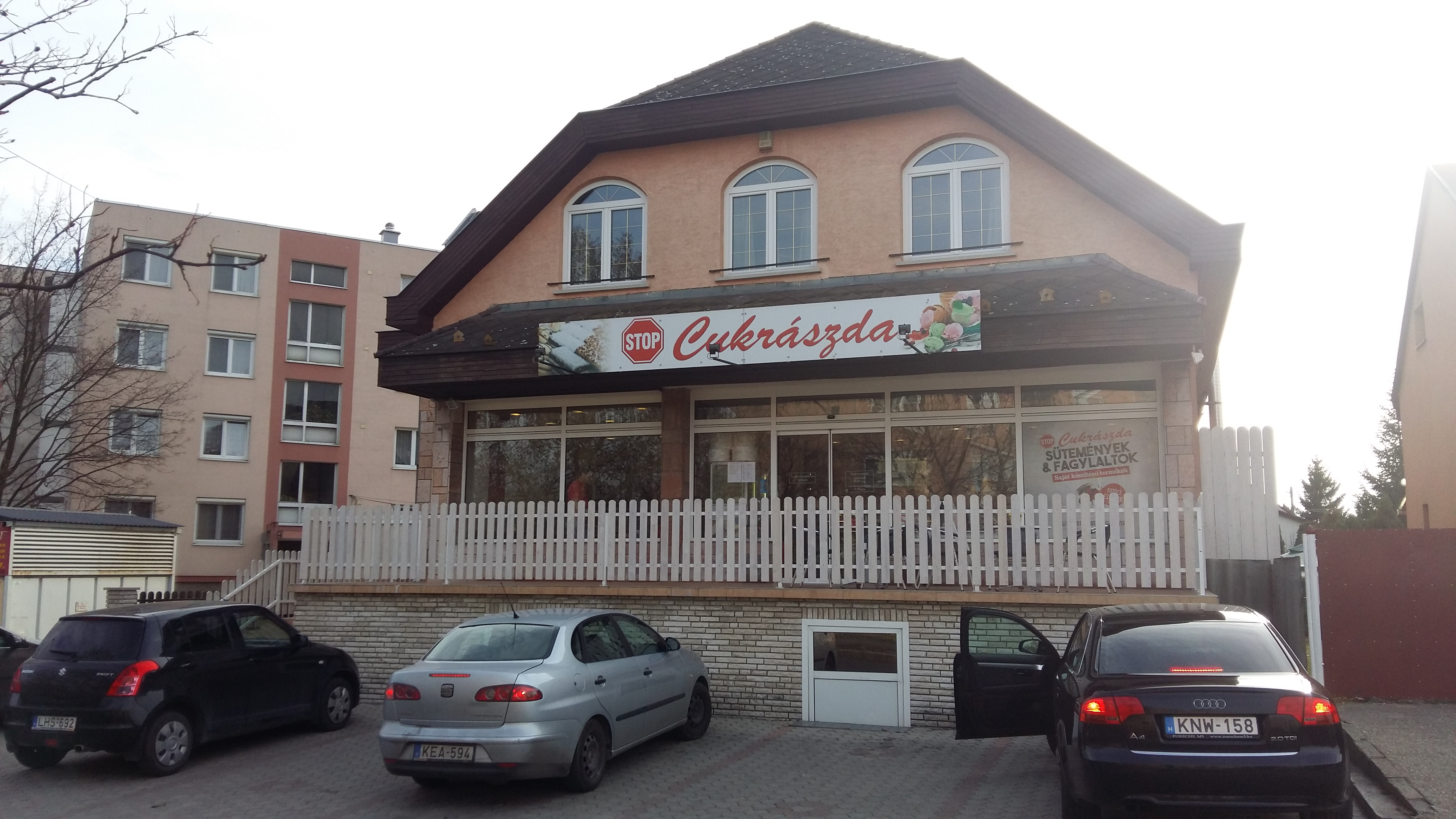 stop_cukraszda_004.jpg