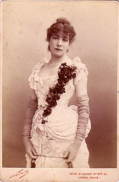 Sarah_Bernhardt(1844-1923)_1.jpg