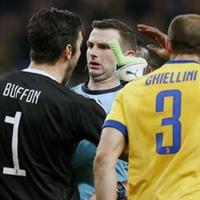 """Buffon: """"A bírónak a lelátón kellett volna chipset ropogtatnia"""""""
