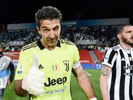 """Buffon: """"Ha találok egy nálam is őrültebb személyt, folytathatom"""""""