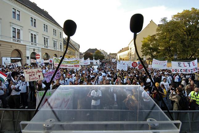 20121216-diaktuntetes-2006-tiltakozas-a-tandij7.jpg