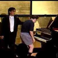 Igudesman & Joo bemutatja, miből áll náluk egy zongoraóra!