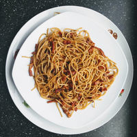Home office ebédötlet: Aglio olio spagetti baconnel