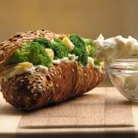 Sajtos brokkolis szendvics
