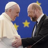 A pápa az EP-ben