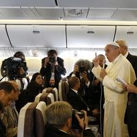 A pápa a tanítóhivatalról és a tudományról
