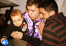 220px-Male_Couple_With_Child-02.jpg