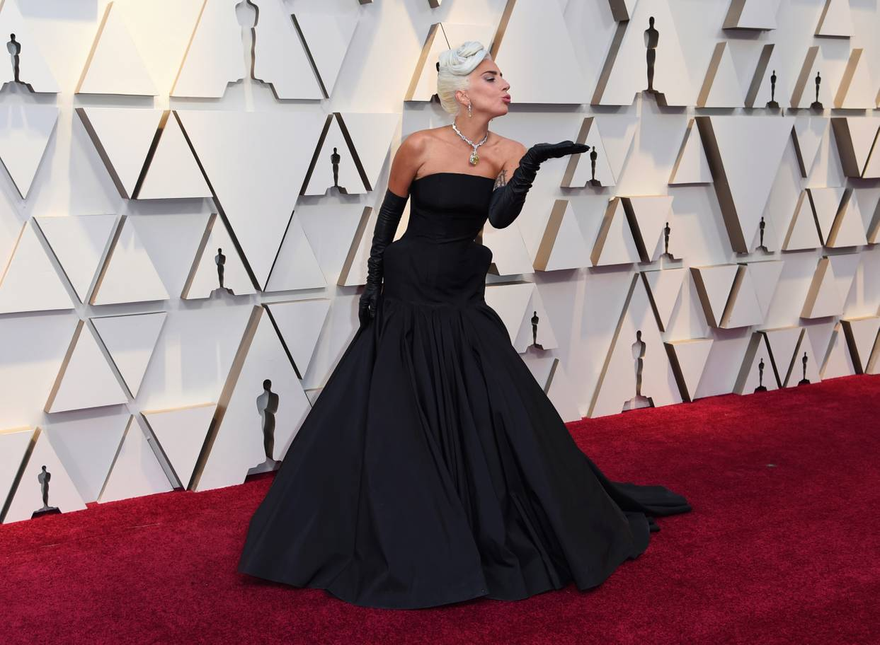 ladygaga-oscars-standard_co_uk.jpg
