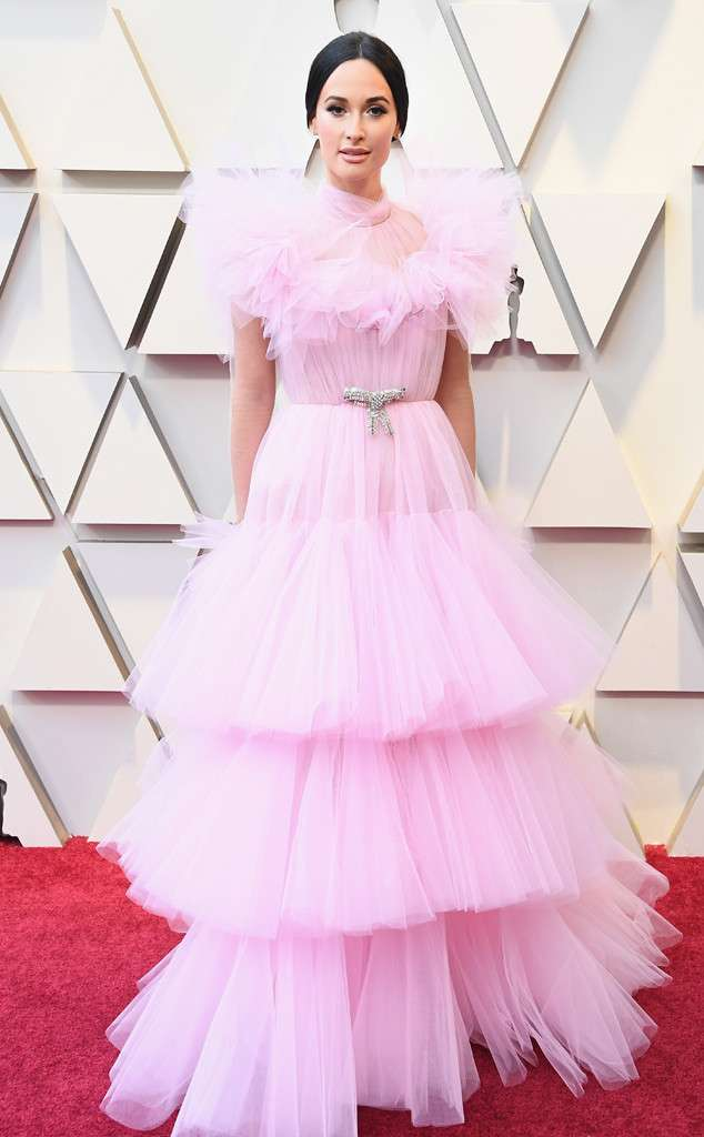 rs_634x1024-190224153645-634-2019-oscar-academy-awards-red-carpet-fashions-kacey-musgrave.jpg
