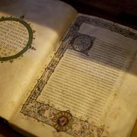 Szakbarbároknak és elvetemült bibliofileknek