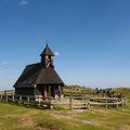 Velika Planina - Kápolna a dombtetőn
