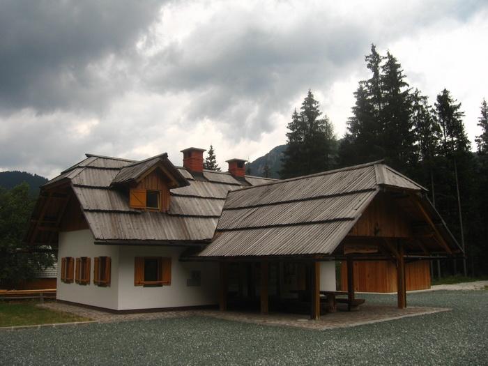 Házikó a völgyben