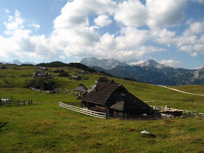Velika Planina - Házak a fennsíkon