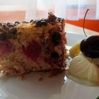 Meggyes-csokis kevert sütemény a blogkóstolóra