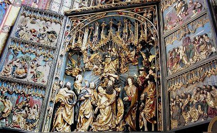 Veit Stoß 12 évig dolgozott a hársfával, míg a krakkói Szent Mária teplom oltártábláival elkészült 1489-re.jpg