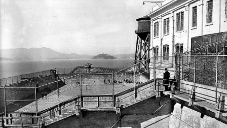 887738-alcatraz.jpg