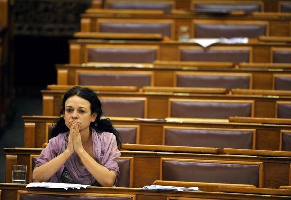 szt.parlament.jpg