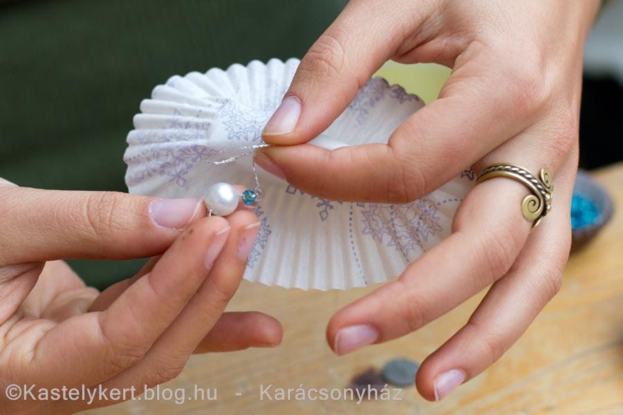 Kastelykert_Blog_Karacsonyhaz_muffinpapir_304.jpg