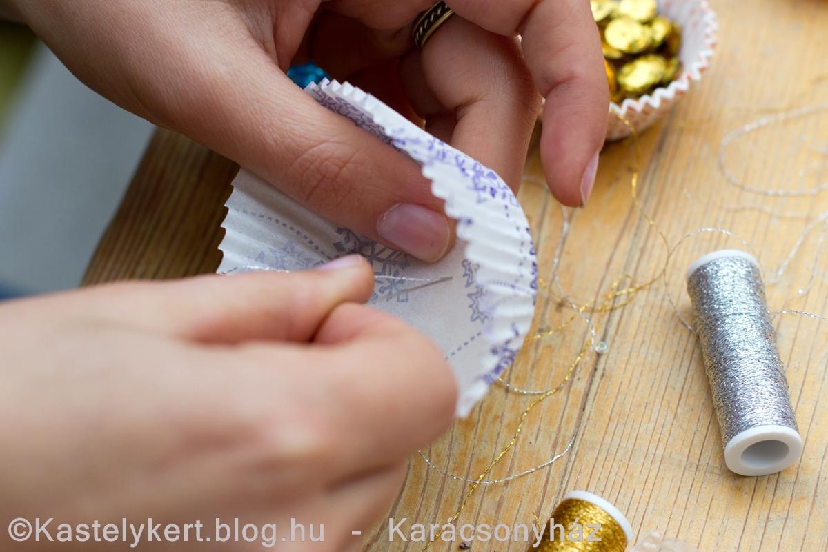 Kastelykert_Blog_Karacsonyhaz_muffinpapir_402.jpg
