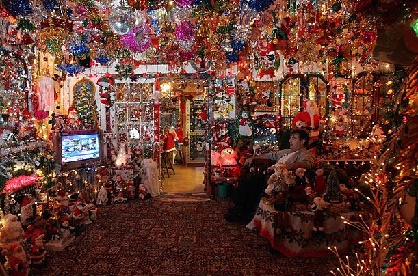 eyesore-christmas-lights-fail.jpg