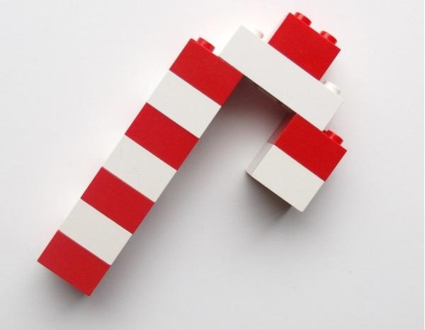 lego-candy-cane_1.jpg