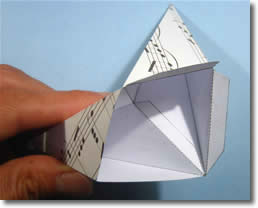 paper-star-lantern-step-4-ds.jpg