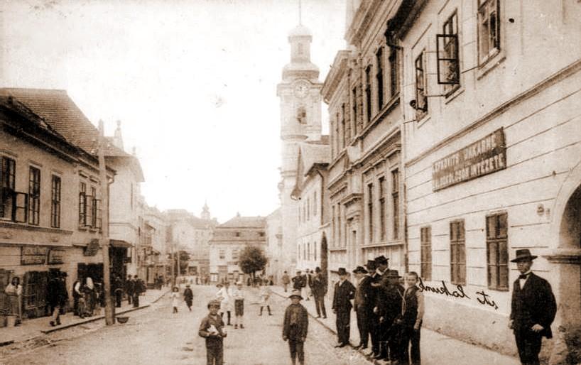 ungvar-rakoczi-utca-1914_1.jpg