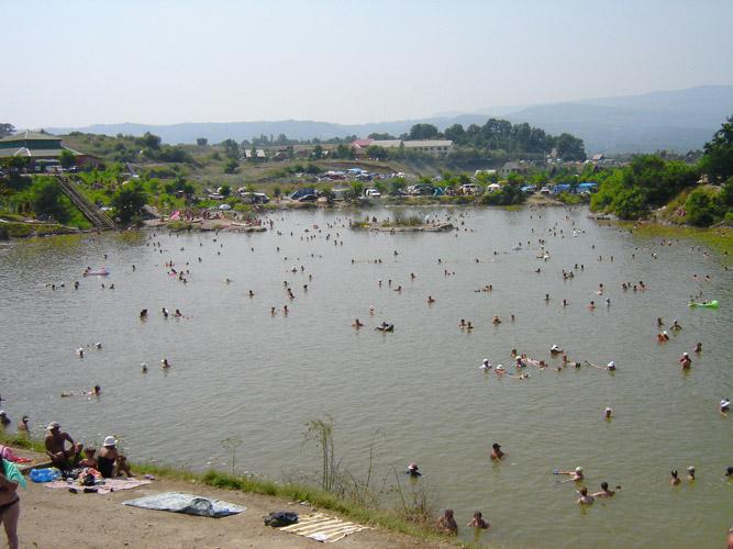 Szlatina gyógyvíz tó
