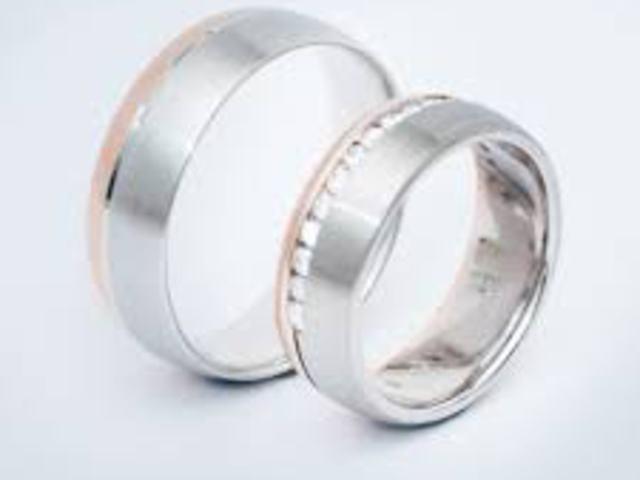 Jegygyűrű, eljegyzési gyűrű és karikagyűrű