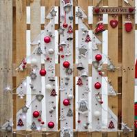 Karácsonyfa raklapra, vagy inkább raklapból?