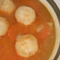 Suhantott leves fűszeres krumpligombóccal