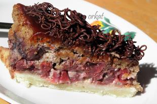 Meggyes-diós torta